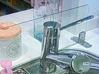 F 様 シンクの水ハネ防止ガラス