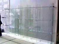 有限会社F S様 ガラスの展示棚