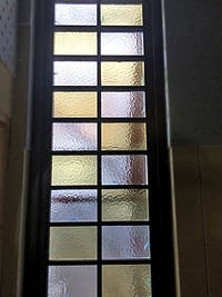 H.M様 採光用の格子窓