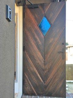 H.D様 玄関ドアの小窓