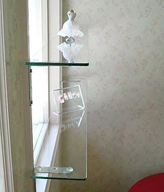 A.A様 窓際ガラス飾り棚