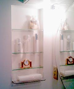 M様 洗面所のガラス棚板