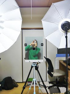 O様 セルフポートレート用にカメラの前に設置 製作例