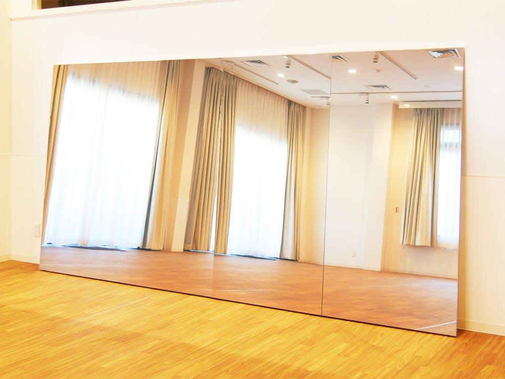 ダンスレッスン用の鏡
