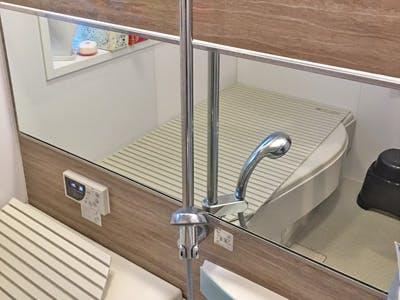 浴室の防湿ミラーの交換