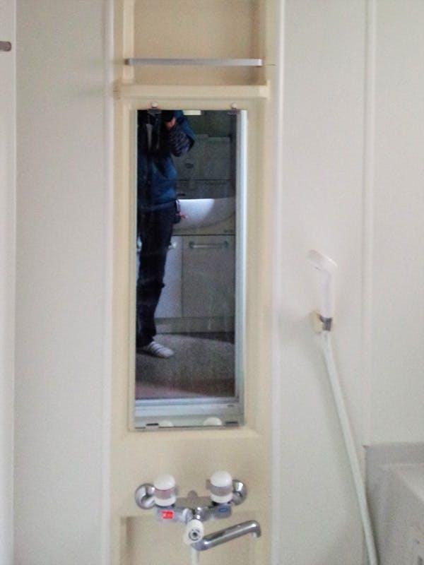 建築工房P様 浴室鏡の交換