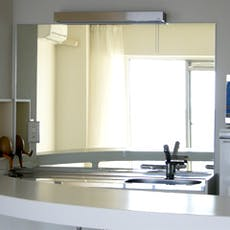 T 様 キッチンの鏡
