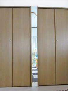 E.N 様 クローゼットの扉と扉の隙間に姿見